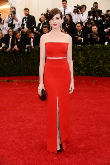 MET Gala Anne Hathaway