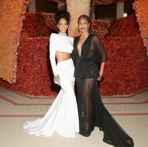 MET Gala Beyonce & Rihanna